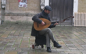 Falling in love with a roving musician? (Venice)