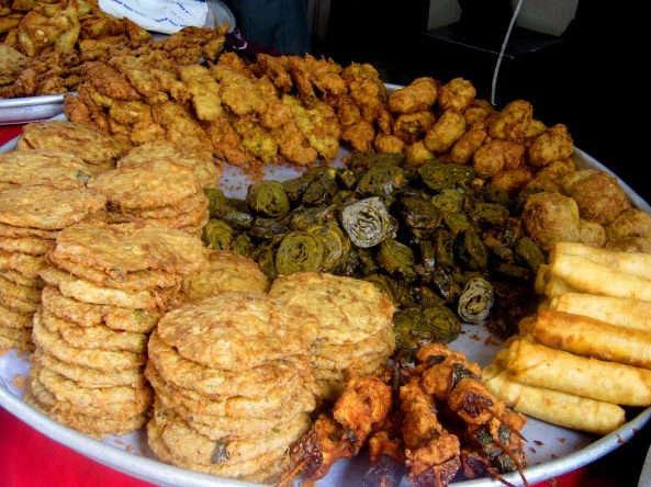 Take your pick from potato, spinach masala, paneer and a host of other pakodas